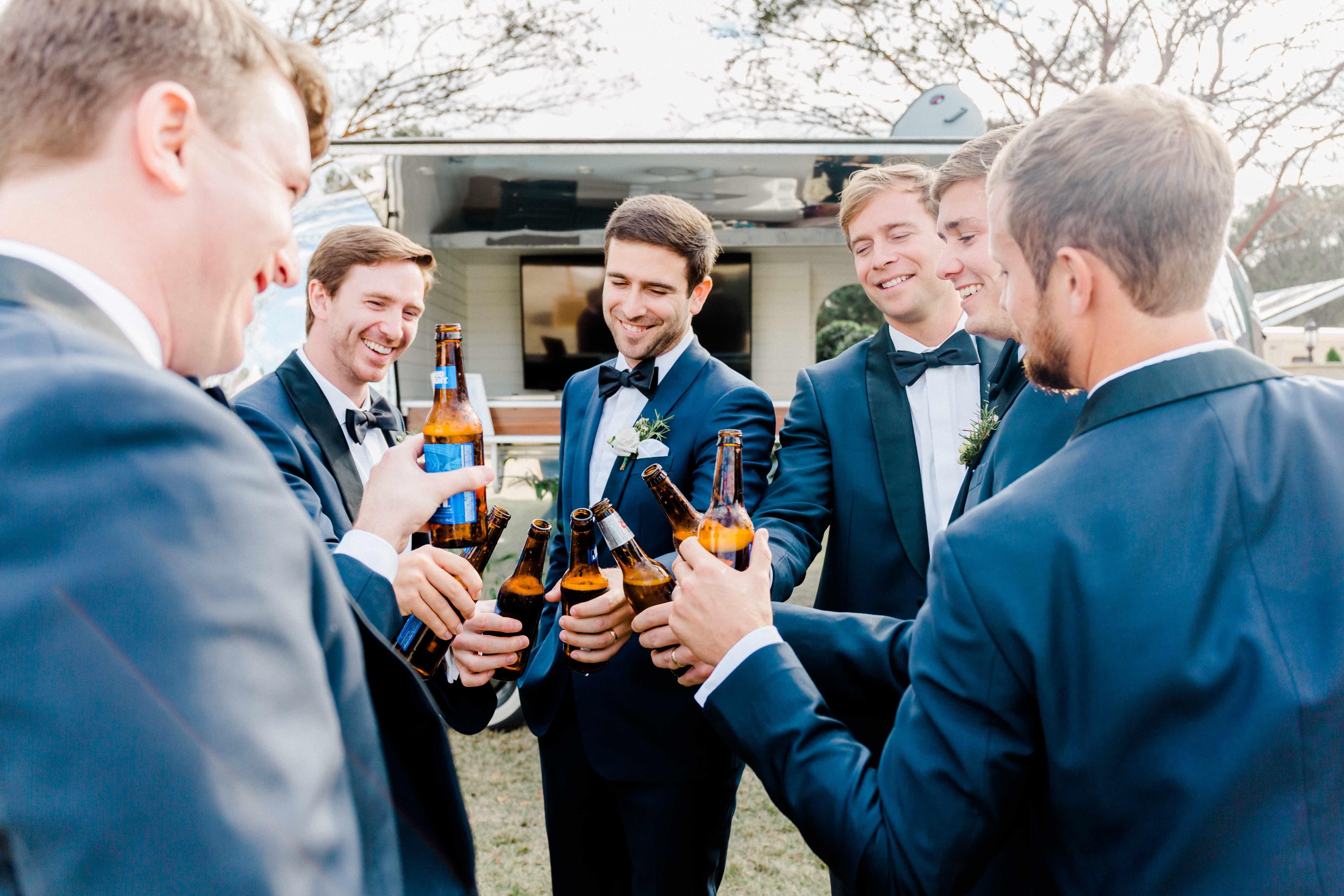 airstream-mobile-bar-wedding-reception